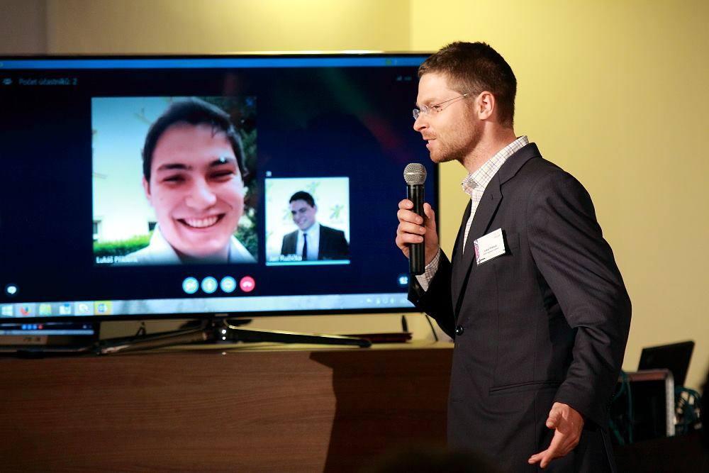 Online schůzka ve Skype pro firmy
